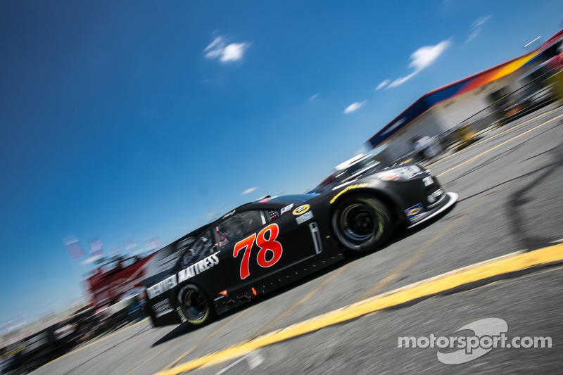 Мартін Труекс мол., Furniture Row Racing Chevrolet