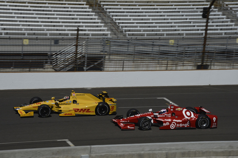 Ryan Hunter-Reay, Andretti Autosport Honda and Scott Dixon, Chip Ganassi Racing Chevrolet