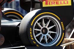 Pirelli 18 inch tire demonstration run