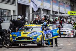 Pit stop for #7 Aston Martin Racing Aston Martin Vantage GT3: Stefan Mücke, Darren Turner, Pedro Lamy, Richie Stanaway