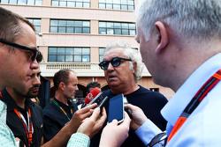 Flavio Briatore, with Jonathan Noble, Motorsport.com Journalist