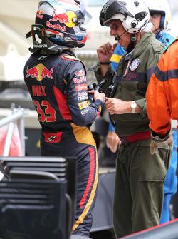 Max Verstappen, Scuderia Toro Rosso, crasht met Romain Grosjean, Lotus F1 Team
