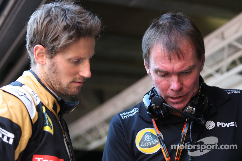 Romain Grosjean, Lotus F1 Team and Alan Permane, Lotus F1 Team Trackside Operations