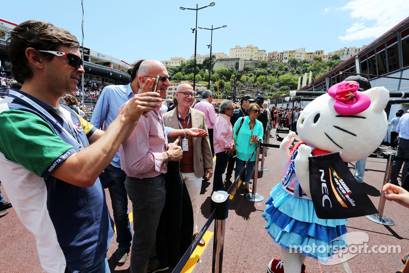 Hello Kitty in the Sahara Force India F1 Team pits