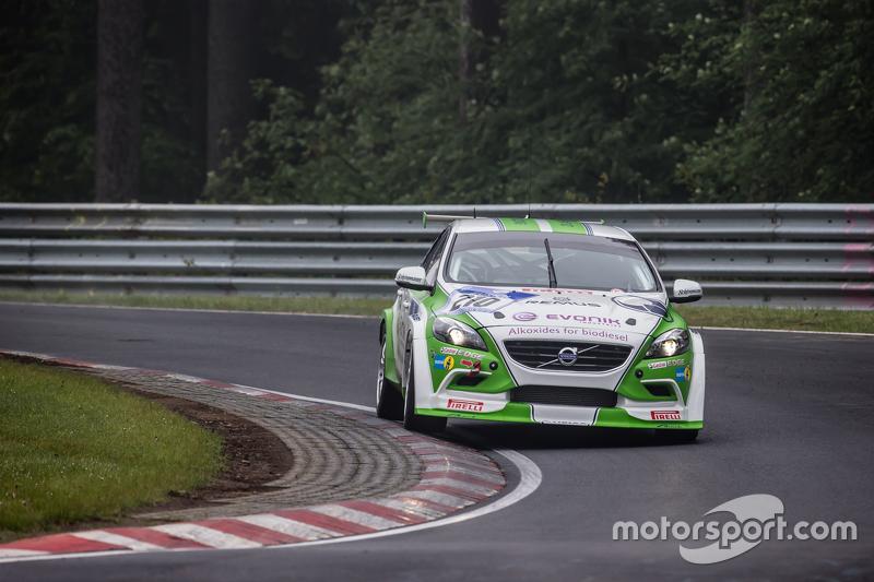 #210 Heico Sportiv, Volvo V40 D5: Patrick Brenndörfer, Martin Müller, Frank Eickholt