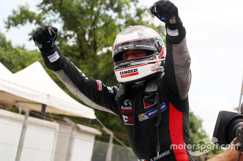 Race winner Gianni Morbidelli, Honda Civic TCR, West Coast Racing