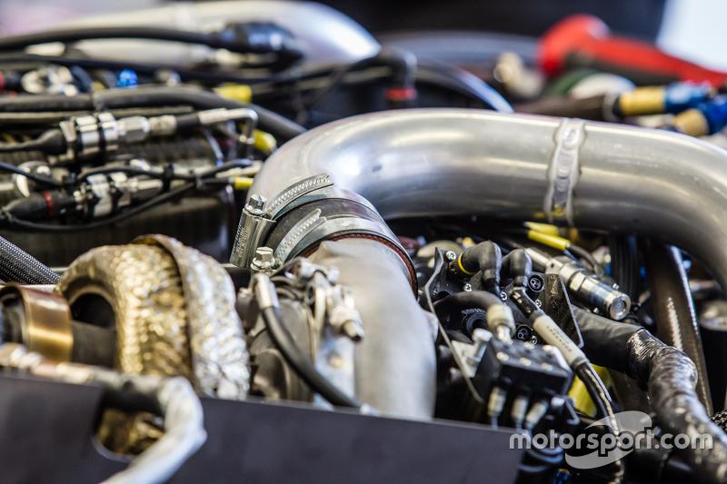 #21 Nissan Motorsports, Nissan GT-R LM NISMO, Motor-Detailaufnahme