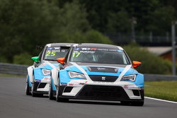 Michel Nykjaer, SEAT Leon, Target Competition and Stefano Comini, SEAT Leon, Target Competition