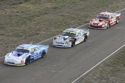 Technische Abnahme: Federico Alonso, Taco Competicion, Torino; Diego de Carlo, JC Competicion, Chevrolet, und Christian Dose, Dose Competicion, Chevrolet