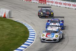 Porsche 911 GT America команды Wright Motorsports : Мэдисон Сноу, Ян Хейлен, Ford/Riley команды Chip