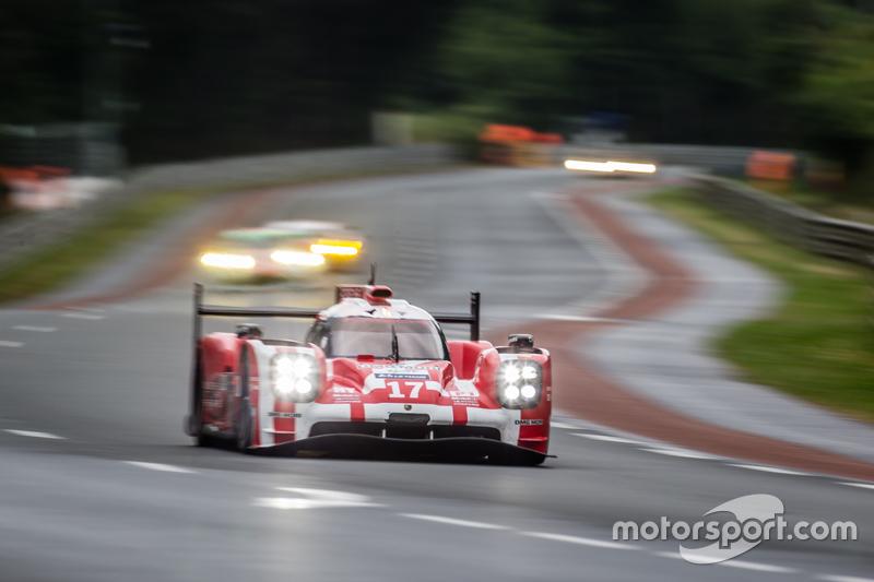 #17 Porsche Team, Porsche 919 Hybrid: Timo Bernhard, Mark Webber, Brendon Hartley, Frédéric Makowiec