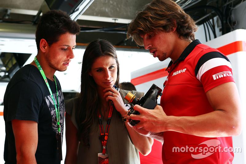 Roberto Merhi, Manor F1 Team, mit Javier Hernandez, Fußballspieler bei Manchester United