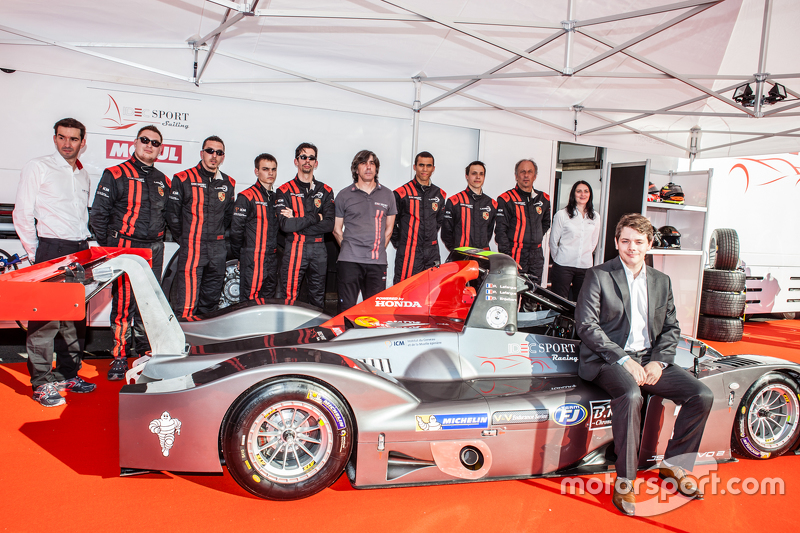 IDEC Sport Racing team and drivers pose with the Ligier JS 53 EVO 2: Patrice Lafargue, Paul Lafargue, Gabriel Abergel, Dimitri Enjalbert, William Cavailhes, Nicolas Da Rocha, Frédéric Da Rocha