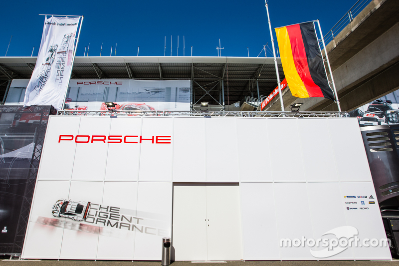 Porsche Team Manthey transporter and logo / signage