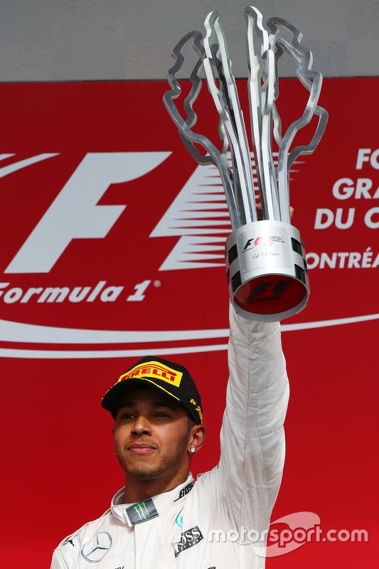 Podium: First place Lewis Hamilton, Mercedes AMG F2