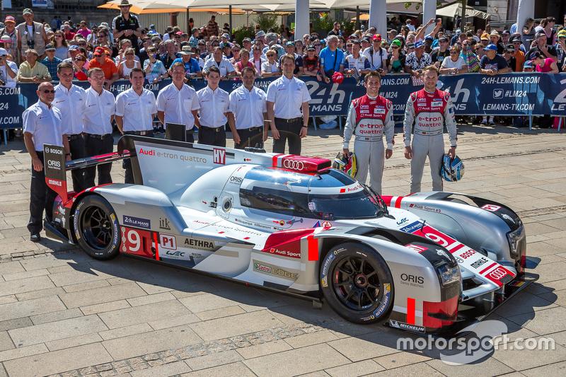 #9 Audi Sport Team Joest Audi R18 e-tron quattro: Рене Раст, Філіпе Альбукерке