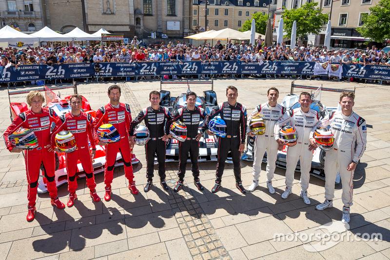#17 Porsche Team, Porsche 919 Hybrid: Timo Bernhard, Mark Webber, Brendon Hartley und #18 Porsche Te