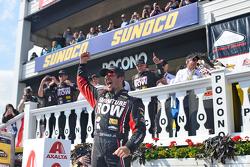El ganador: Martin Truex Jr., Furniture Row Racing Chevrolet