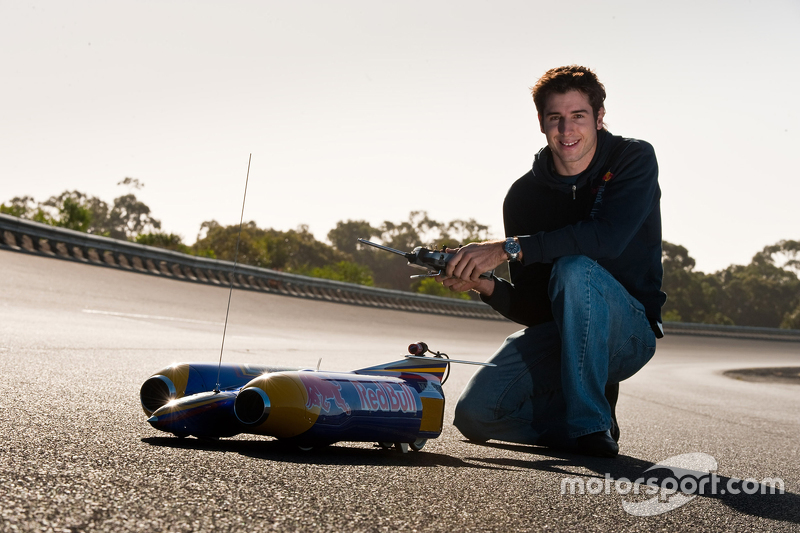 Rick Kelly's rocket powered RC racer