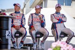 #1 Toyota Racing, Toyota TS040 Hybrid: Kazuki Nakajima sowie #2 Toyota Racing, Toyota TS040 Hybrid: Stéphane Sarrazin, Mike Conway