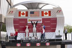 458TP Podium: El ganador #38 The Collection Ferrari 458: Gregory Romanelli, segundo lugar #77 Ferrari Quebec Ferrari 458: Emmanuel Anassis, y tercer lugar #59 Ferrari of Fort Lauderdale Ferrari 458: John Farano