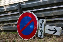 Französisches Straßenschild an der Straße nach Mulsanne