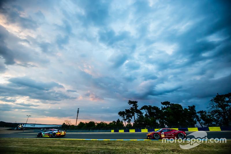 #71 AF Corse Ferrari 458 GTE: Davide Rigon, James Calado, Olivier Beretta, #62 Scuderia Corsa Ferrar