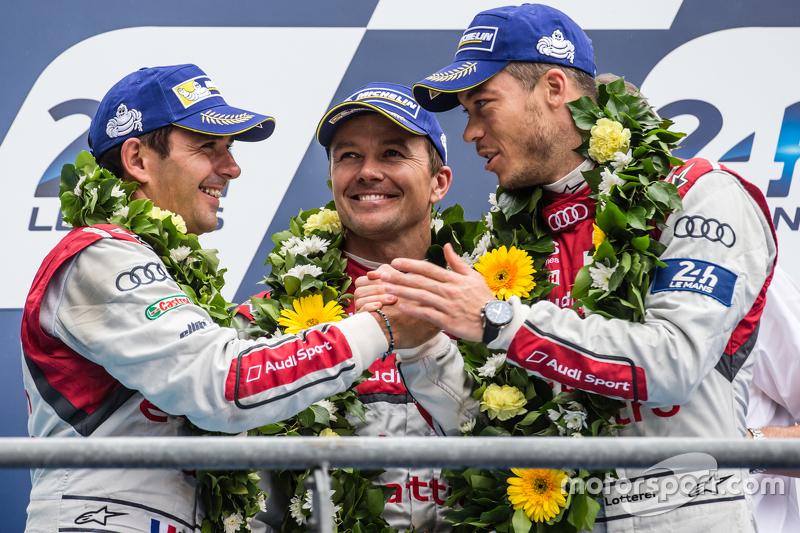 LMP1-Podium: 3. Audi Sport Team Joest, Audi R18 e-tron quattro: Marcel Fässler, André Lotterer, Benoit Tréluyer