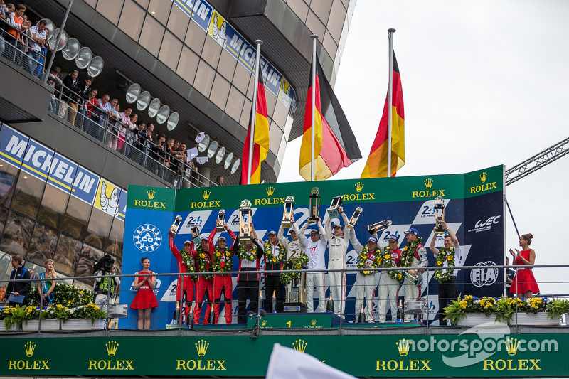 LMP1 podium: class and overall winners Porsche Team: Nico Hulkenberg, Nick Tandy, Earl Bamber, second place Porsche Team: Timo Bernhard, Mark Webber, Brendon Hartley, third place Audi Sport Team Joest Audi R18 e-tron quattro: Marcel Fässler, Andre Lotterer, Benoit Tréluyer