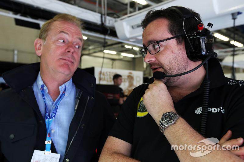 Jonathan Palmer, with Julien Simon-Chautemps, Lotus F1 Team Race Engineer