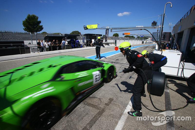 #63 GRT Grasser Racing Team, Lamborghini Huracan GT3: Giovanni Venturini, Adrian Zaugg, Mirko Bortolotti