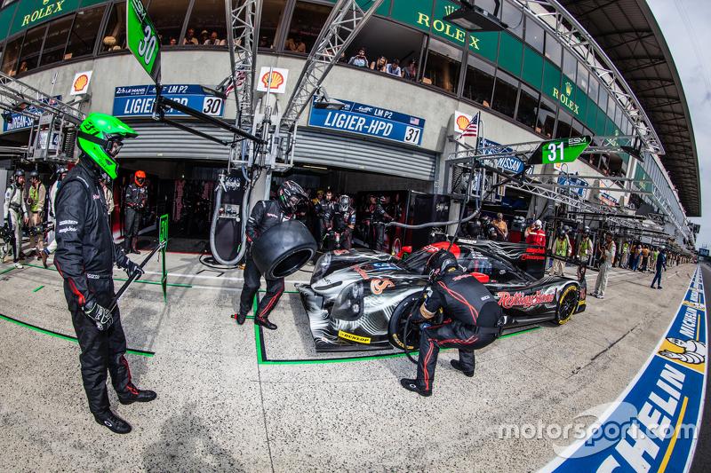 Boxenstopp für #31 Extreme Speed Motorsports, Ligier JS P2: Ed Brown, Jon Fogarty, Johannes van Over