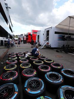 Neumáticos Pirelli lavados por los mecánicos de Williams