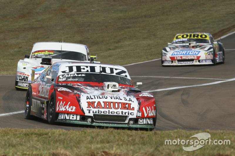 Педро Джентіле, JP Racing Chevrolet та Леонел Сотро, Alifraco Sport Ford та Мартін Серрано, Coiro Dole Racing Dodge