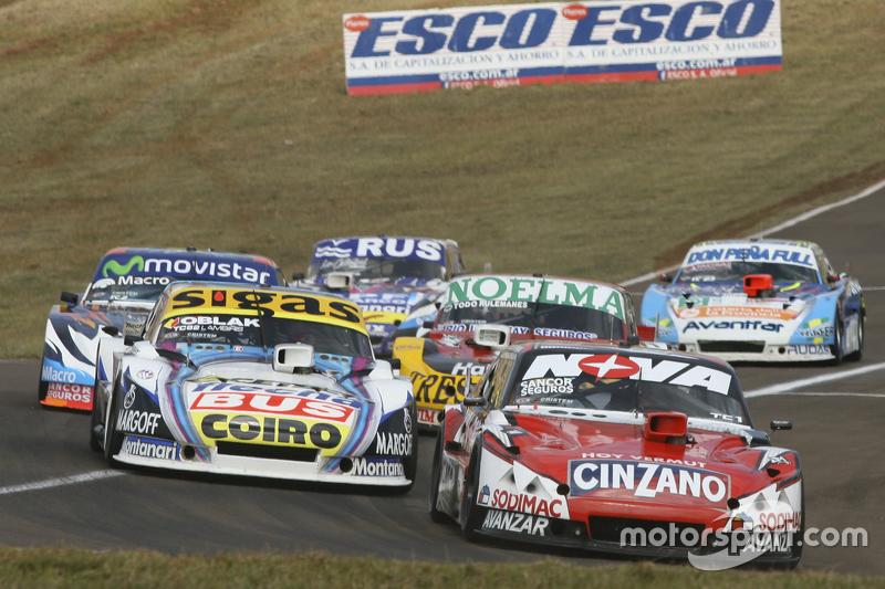 Матіас Россі, Donto Racing Chevrolet та Маурісіо Ламбіріс, Coiro Dole Racing Torino та Ніколас Бонел