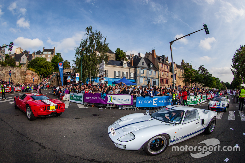 Ford GT and GT40 parade