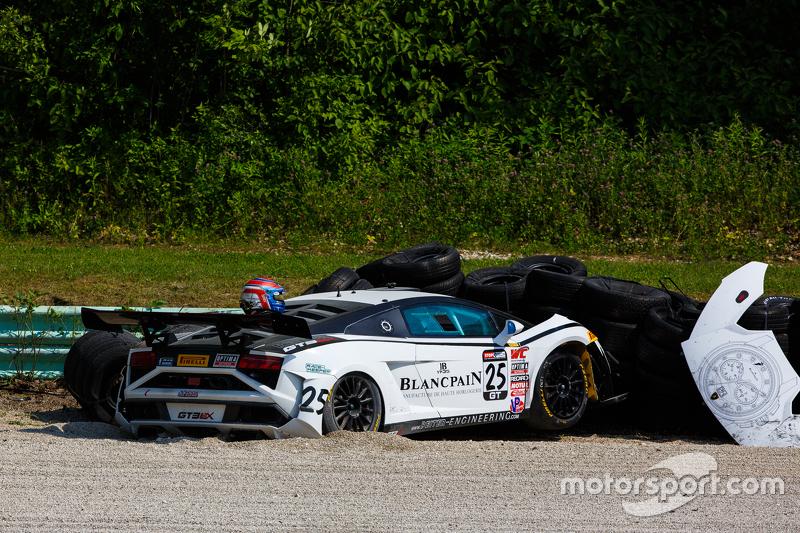 #25 Reiter Ingenieuring, Lamborghini Gallardo: Nicky Catsburg mit Unfall