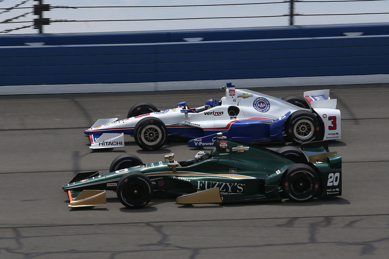 Helio Castroneves, Team Penske Chevrolet and Ed Carpenter, CFH Racing Chevrolet