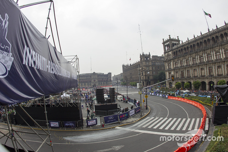 Red Bull Showrun a Città del Messico