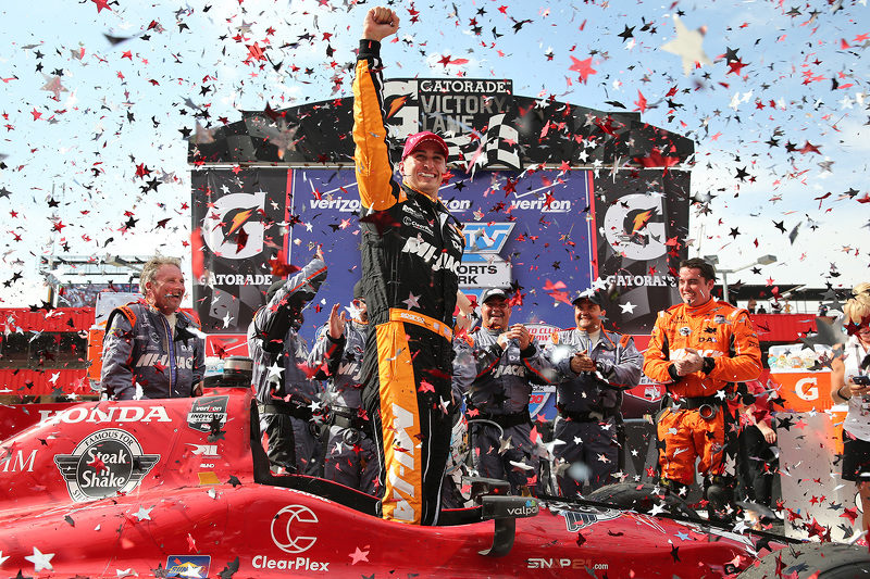 Race winner Graham Rahal, Rahal Letterman Lanigan Racing