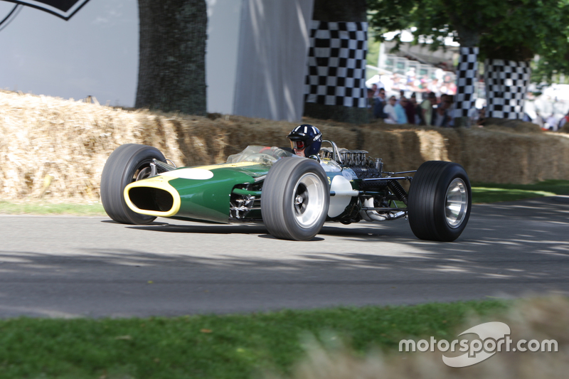 Damon Hill, Lotus Cosworth 49