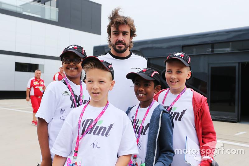 Fernando Alonso, McLaren with F1 in Schools Children