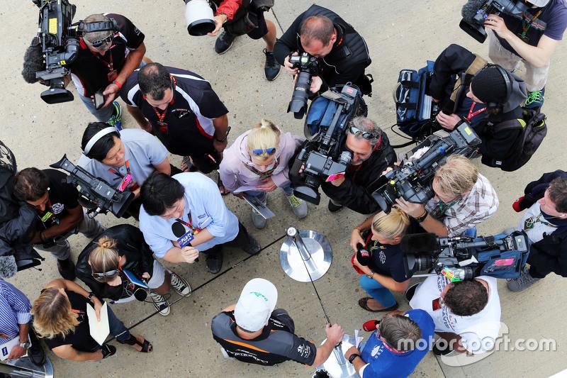 Nico Hulkenberg, Sahara Force India F1 bersama the media
