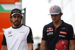 Фернандо Алонсо, McLaren и Карлос Сайнс мл., Scuderia Toro Rosso