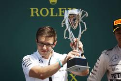 Peter Bonnington, Mercedes AMG F1 ingenieur op het podium