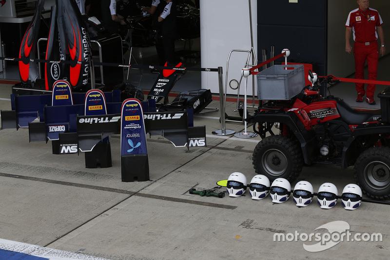 Nose cones, dan helmets of Koiranen GP
