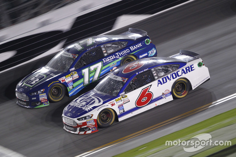 Ricky Stenhouse jr., Roush Fenway Racing, Ford, und Trevor Bayne, Roush Fenway Racing, Ford