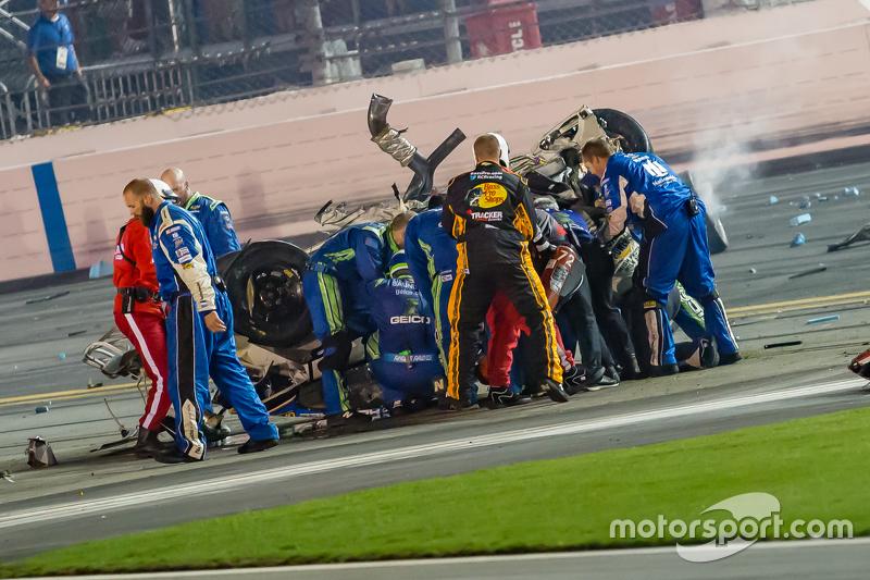Kru bermaksud memperbaiki kerusakan mobil Austin Dillon, Richard Childress Racing Chevrolet
