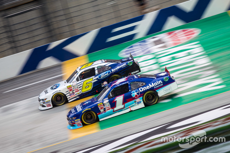 Elliott Sadler, Roush Fenway Racing Ford and Darrell Wallace Jr., Roush Fenway Racing Ford