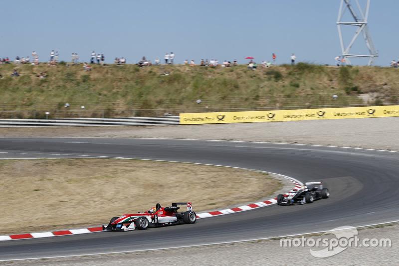 Lance Stroll, Prema Powerteam Dallara Mercedes-Benz, dan Charles Leclerc, Van Amersfoort Racing Dallara Volkswagen